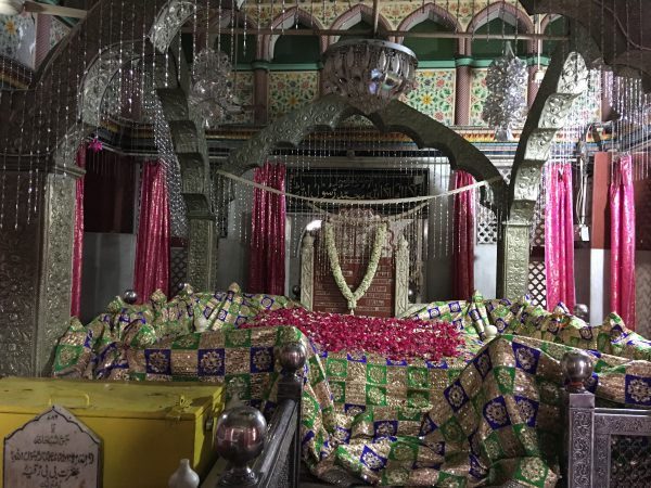 Sufis, Dargahs & Divinity in Delhi -