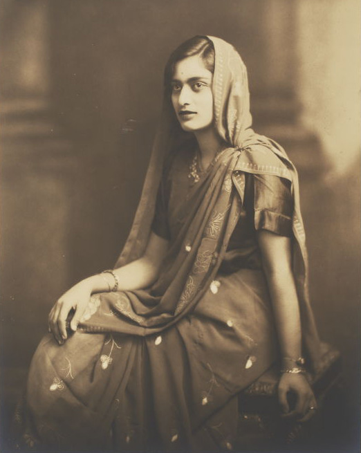 The Sari Story - How A Simple Garment Travelled Around India & Across the Ages - 19th century, Costume, Costumes, Dancers & Costumes, Fashion, photography, rare books, Sari, Style