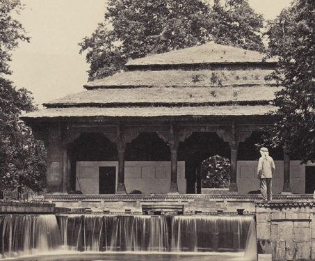 The Nautch Bungalow, Shalimar, Srinuggur - 19th Century Photography, Architecture, Gardens, Kashmir, Mughal, Samuel Bourne